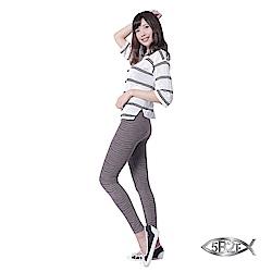 5B2F【五餅二魚】 遠紅外線3D波形紋雕飾褲 (3色)