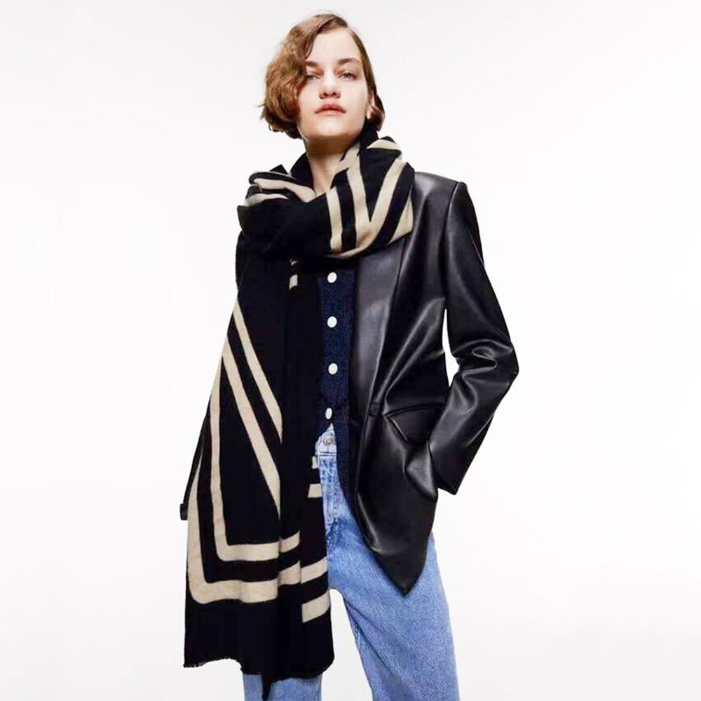 【KISSDIAMOND】米蘭時尚簡約線條保暖長圍巾披肩(保暖/舒適/百搭/KDM-SW02)