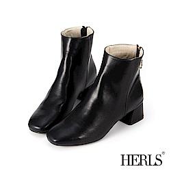 HERLS 自信簡約 後拉鍊素面粗跟短靴-黑色