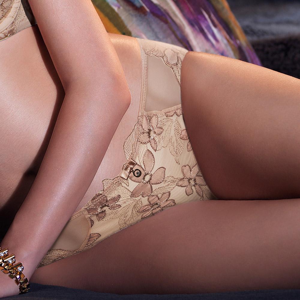 黛安芬-艾聖思 花園幻境系列M-EL三角內褲 裸膚