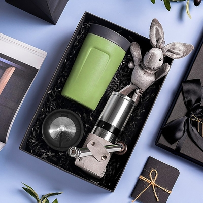 【PO:Selected】丹麥手沖咖啡禮盒組(手動不鏽鋼咖啡磨2.0/隨行保溫咖啡杯350ml-綠)