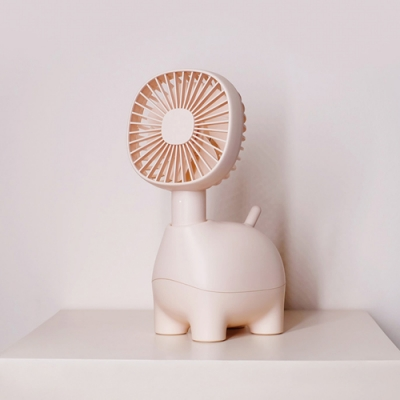 Ethne 長頸鹿風扇- 粉紅色