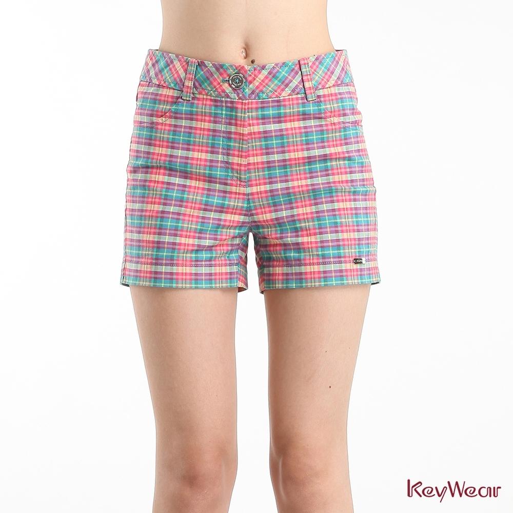 KeyWear奇威名品    俏麗風格彩色格紋短褲-綜合色