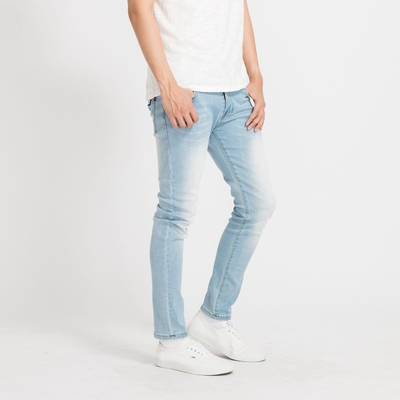 NoMorre 輕薄彈力水洗淺藍刷色窄管丹寧褲