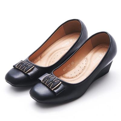 A one 方頭拼接金飾蝴蝶結坡跟楔型跟鞋-黑色