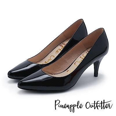 Pineapple Outfitter 簡約風尚 素面尖頭高跟鞋-鏡黑
