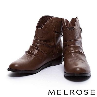 短靴 MELROSE 率性仿舊抓皺後繫帶牛皮粗低跟短靴-咖