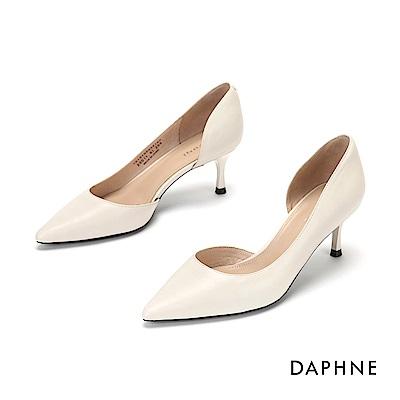 達芙妮DAPHNE 高跟鞋-全真皮縷空尖頭高跟鞋-米白