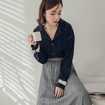 袖造型設計金屬排釦襯衫領長袖上衣-OB大尺碼