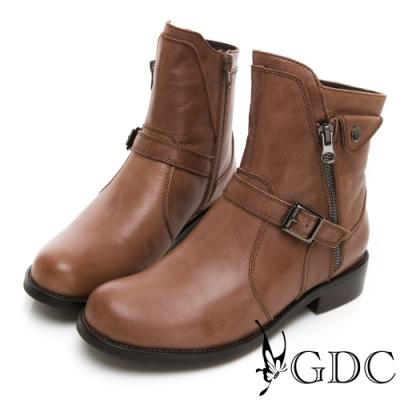 GDC-真皮帥氣英倫風側拉鍊扣飾秋冬靴-棕色