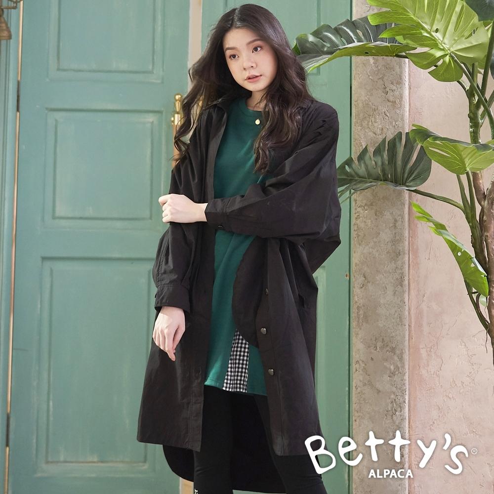 betty's貝蒂思 飛鼠袖排釦長版襯衫外套(黑色)