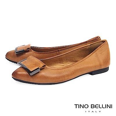 Tino Bellini 簡約皮革方釦舒足平底鞋 _ 棕