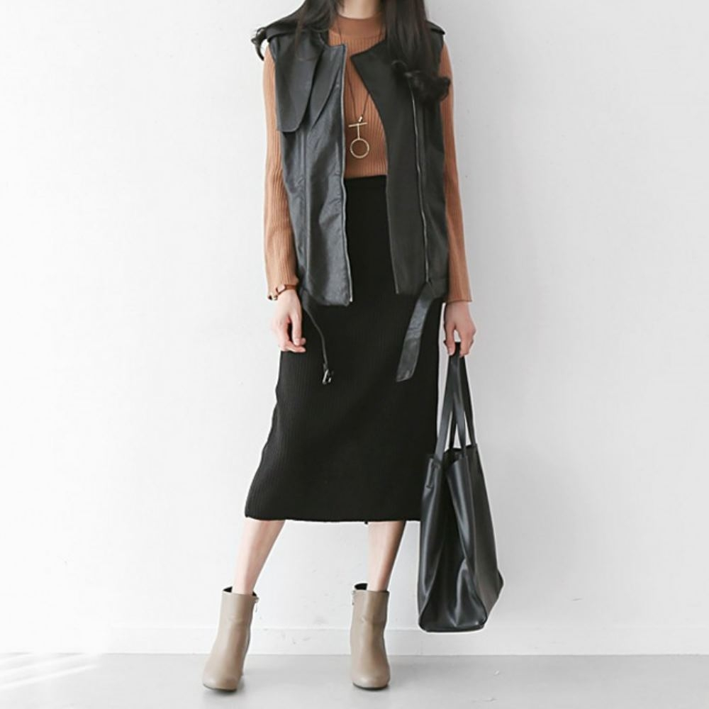 La Belleza素色鬆緊腰坑條包臀後開叉針織裙