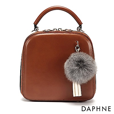 達芙妮DAPHNE-澎澎毛球流蘇復古小方包-棕