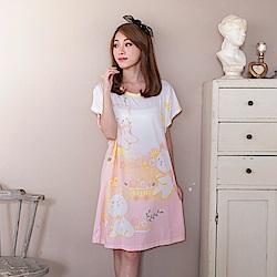 睡衣 牛奶絲質短袖連身睡衣(C01-100565貓咪盪鞦韆花園) Young Curves