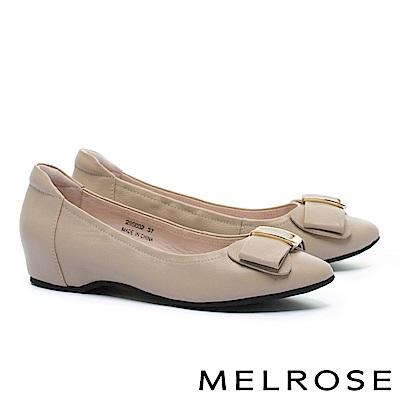 低跟鞋 MELROSE 淡雅氣質蝴蝶結金屬飾釦全真皮內增高低跟鞋-米