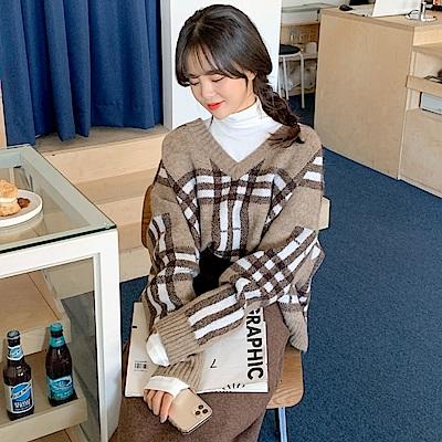 La BellezaV領坑條領口格紋圖案針織毛衣