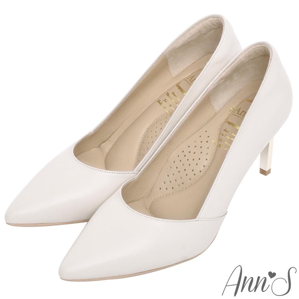 Ann'S嚮往的女人味-性感弧線柔軟小羊皮電鍍細跟尖頭高跟鞋-米白