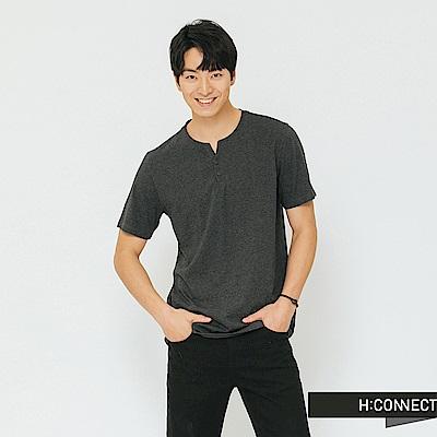 H:CONNECT 韓國品牌 男裝-鈕扣造型素面T-shirt-灰