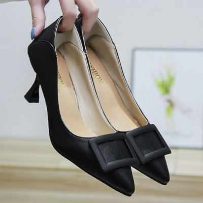 KEITH-WILL時尚鞋館 好評加碼英倫復古百搭尖頭細跟鞋-黑