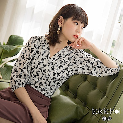 東京著衣-歐膩最愛交叉V領印花綁帶澎袖短版上衣-S.M.L(共兩色)