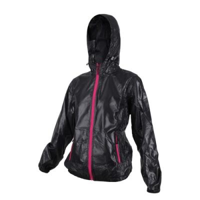 SOFO 女抗UV外套-可收納-防曬 慢跑 路跑 立領外套 連帽外套 黑桃紅