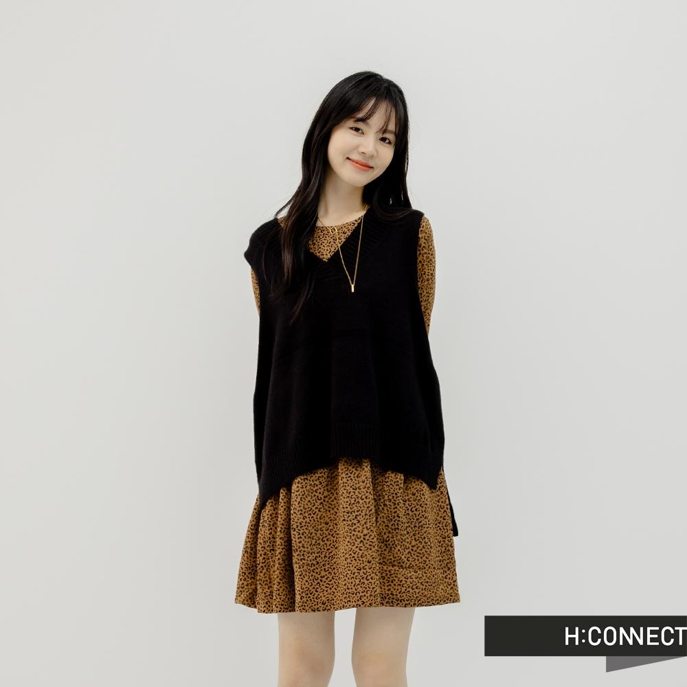 H:CONNECT 韓國品牌 女裝 -韓風前短後長寬版背心毛衣-黑