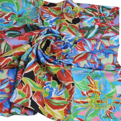 VIVIENNE WESTWOOD 品牌花朵塗鴉圖騰刺繡大行星LOGO大帕領巾(粉藍系)