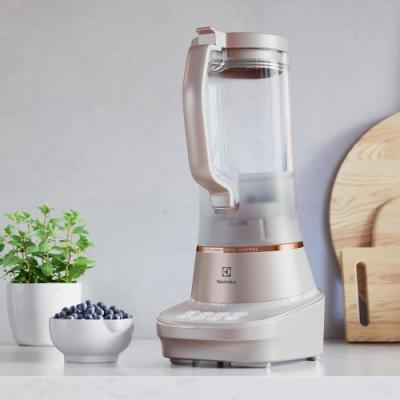 Electrolux 伊萊克斯主廚系列全能調理果汁機(E7TB1-87SM)