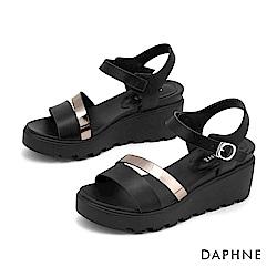 達芙妮DAPHNE 涼鞋-撞色鏤空條帶休閒楔形涼鞋-黑色