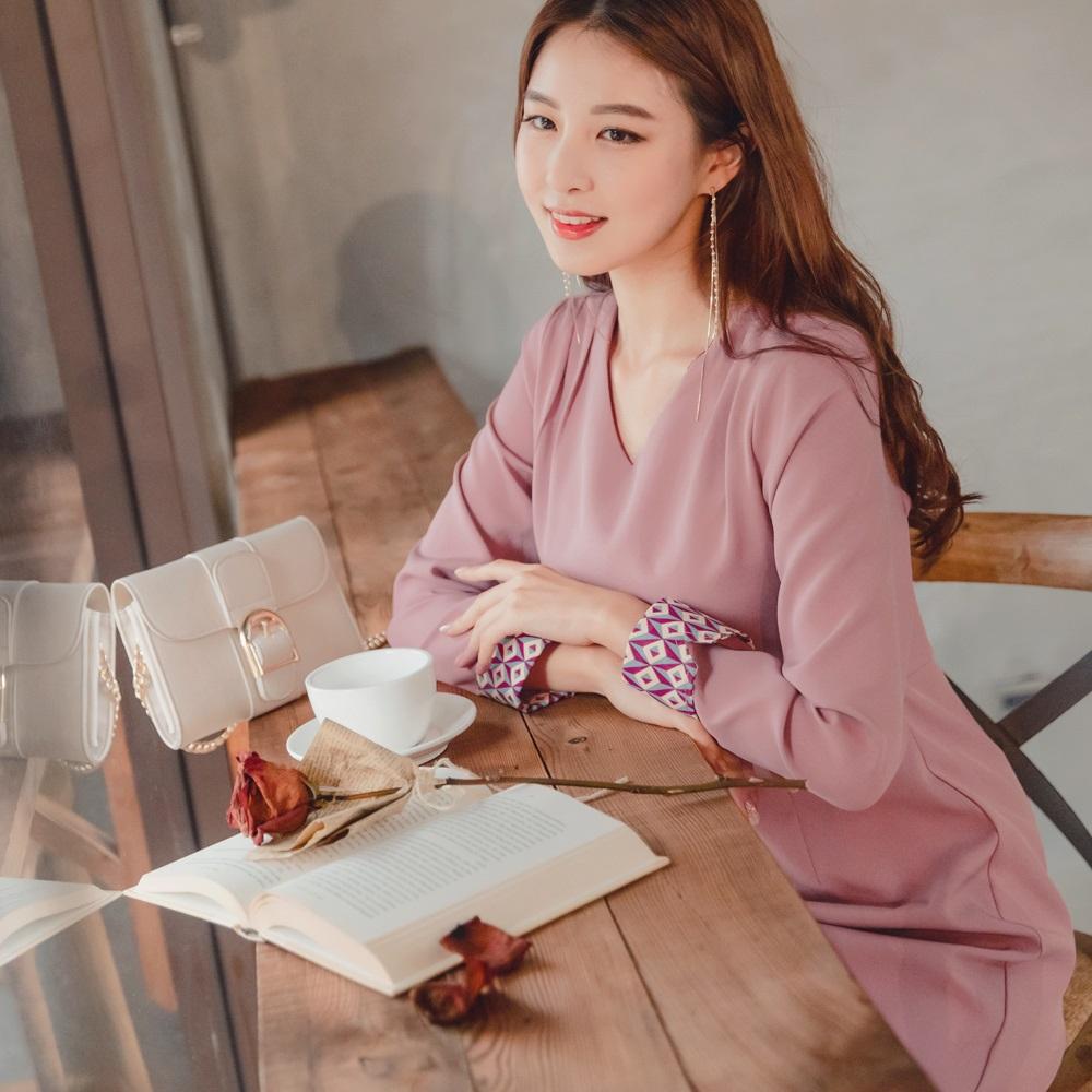 幾何印花反褶拼接袖純色連身洋裝-OB大尺碼