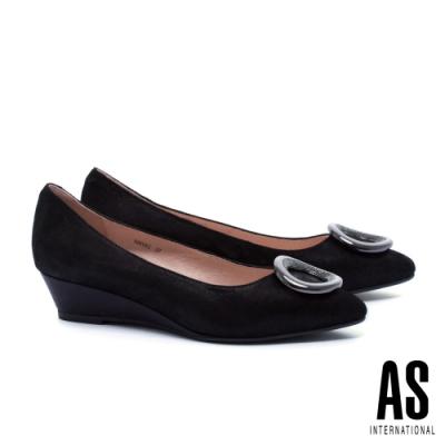 低跟鞋 AS 晶鑽圓釦羊麂皮尖頭楔型低跟鞋-黑