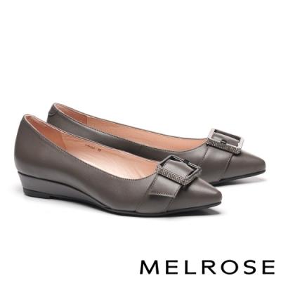 低跟鞋 MELROSE 低調時尚質感鑽飾全真皮尖頭楔型低跟鞋-灰