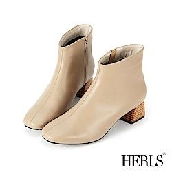 HERLS 極簡美感 縫線拼接斜口粗跟短靴-米色