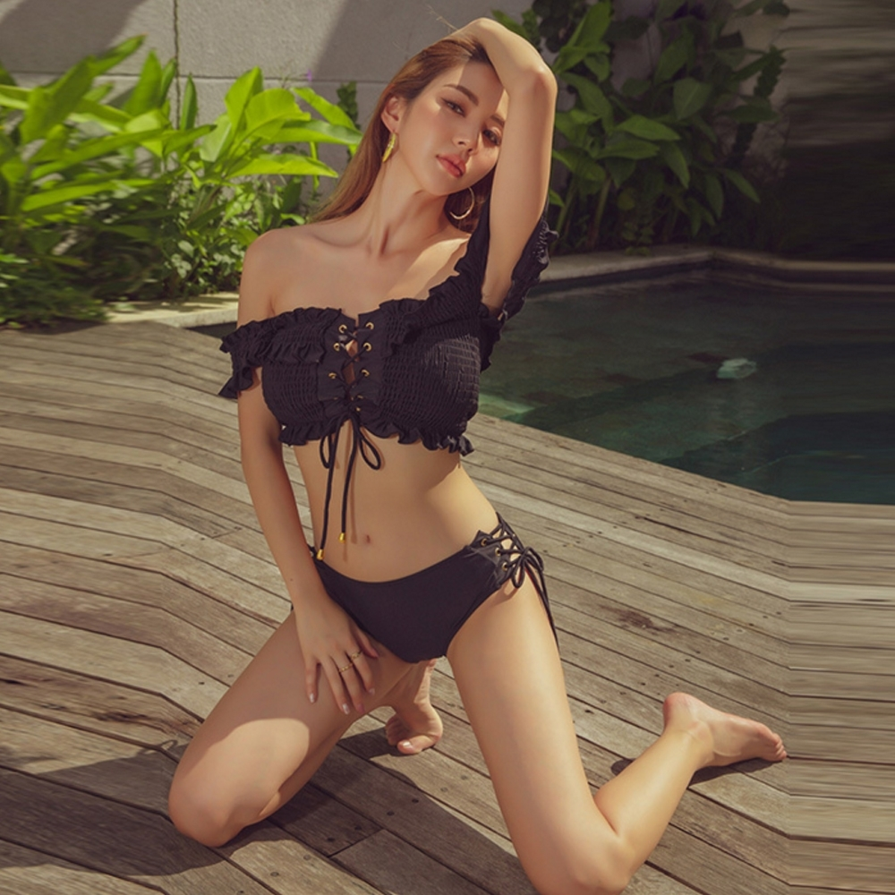 Biki比基尼妮泳衣,噴血性感露胸泳衣二件式泳裝(黑M-XL)