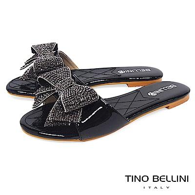 Tino Bellini 華麗亮鑽層次蝴蝶結平底涼拖鞋 _ 黑