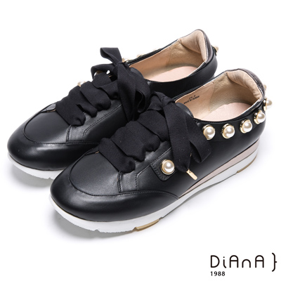 DIANA蝴蝶結珍珠鑲邊真皮綁帶休閒鞋-活力耀眼-黑