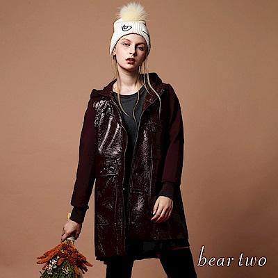 beartwo 皮質拼接連帽外套(二色)-動態show
