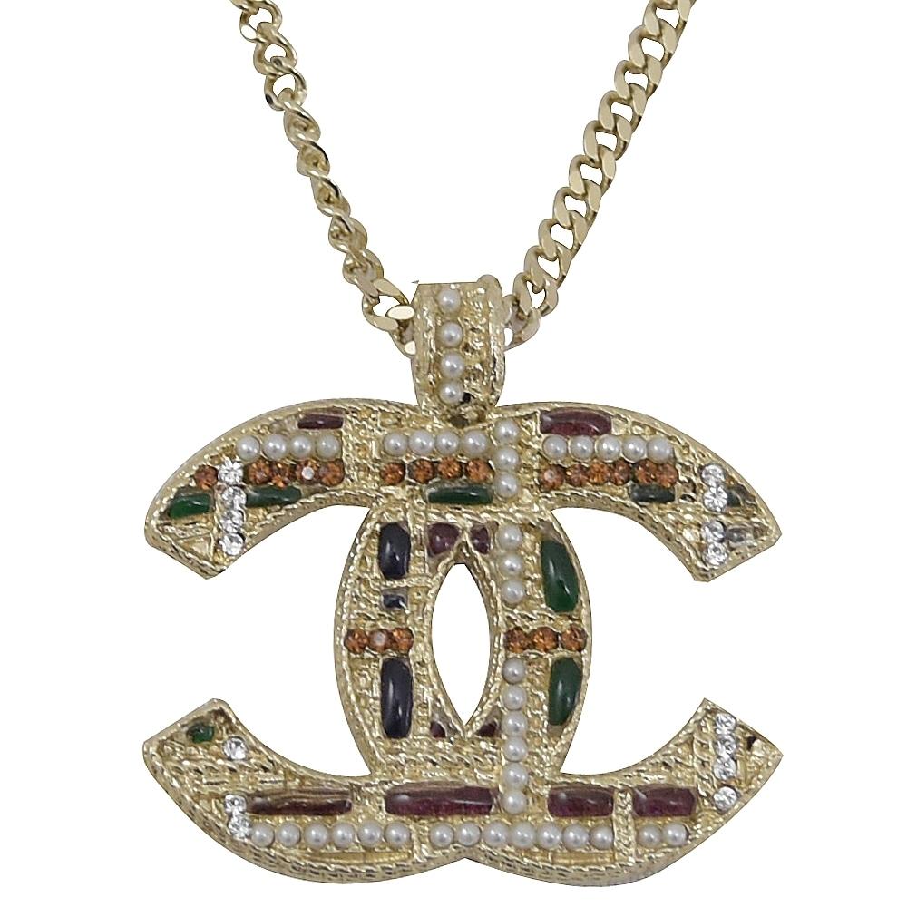 CHANEL 彩色琉璃雙C LOGO吊飾項鍊(淡金)
