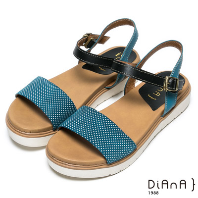 DIANA 可愛俏皮—點點混色釦帶真皮平底涼鞋-藍