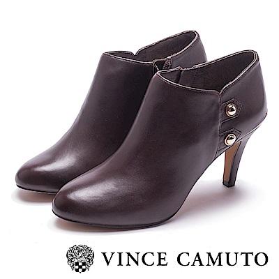 VINCE CAMUTO-真皮金屬側扣高跟踝靴-咖啡