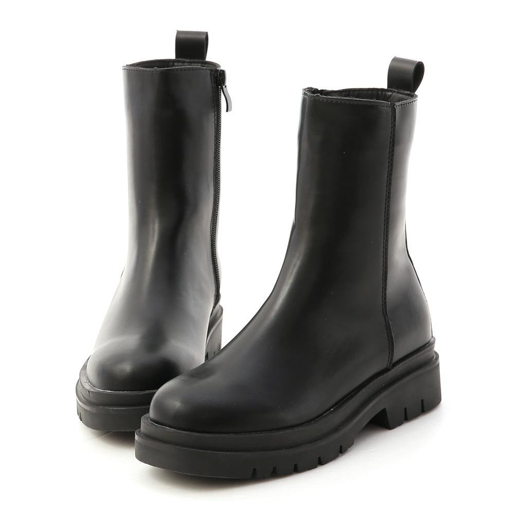 D+AF 個性主流.鬆糕底側拉鍊素面短靴*黑