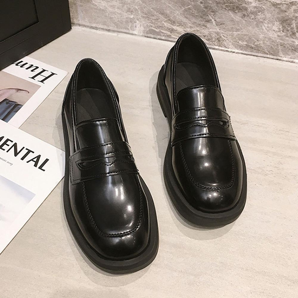 韓國KW美鞋館-(現貨)活力時光英倫女孩平底皮鞋(共1色) (黑色)