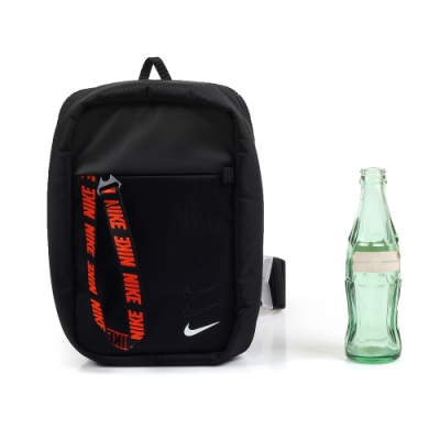 NIKE SPRTSWR ESSENTIALS HIP PACK 斜背包 黑色 BA6144-010