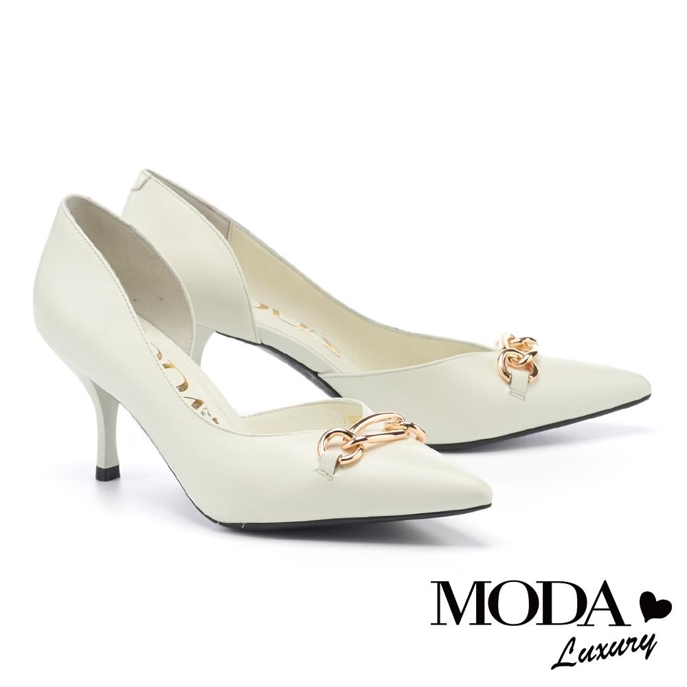 高跟鞋 MODA Luxury 別致輕熟金屬環釦羊皮尖頭高跟鞋-白