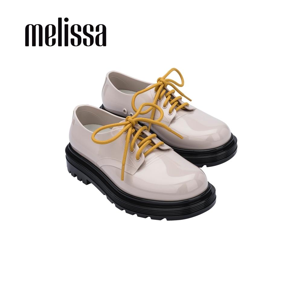 Melissa BASS質感綁帶休閒鞋-米黑