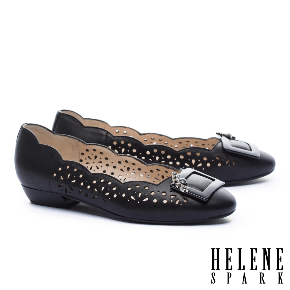 低跟鞋 HELENE SPARK 柔美典雅晶鑽方釦沖孔低跟鞋-黑