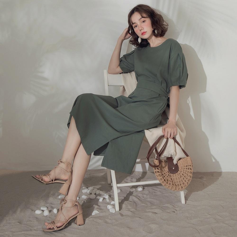 純色高含棉附綁帶五分花苞袖開衩長洋裝-OB大尺碼
