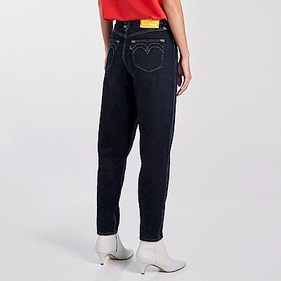 Levis Red 工裝手稿風復刻再造 女款 上寬下窄 High Loose復古超高腰牛仔寬褲 黑 寒麻纖維
