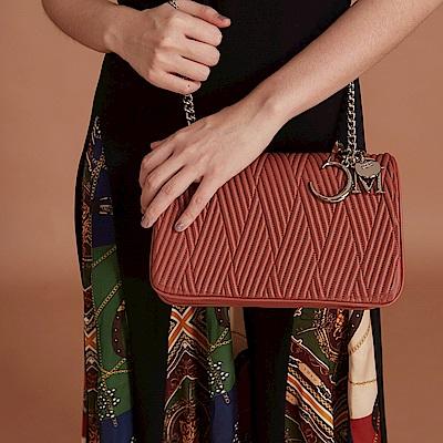 Maria Carla手提肩背包-羊皮V線條鏈條包_完美格調、迷漾輕時尚系列(鮭魚粉)